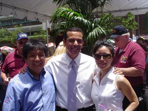 Mayor Antonio Villaraigosa with Initial Tropical<br>Plants Roel Ventura and Angie Leung