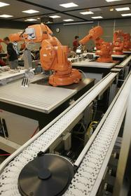 Bosch Rexroth provided VarioFlow chain conveyors and aluminum structural framing to help outfit the ISU automation lab.