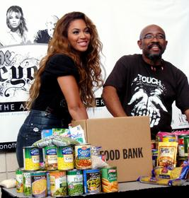 The beyonc experience tour offers food drives in for America s second harvest