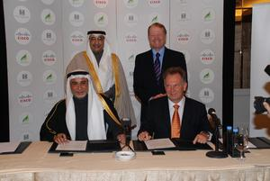 Standing: Sheikh Ibrahim M. Alissa, chairman, KEC and John Chambers, chairman and CEO, Cisco; Seated- Tahir Bawazir, CEO, KEC, and Wim Elfrink, executive vice president and chief globalisation officer, Cisco (left to right)