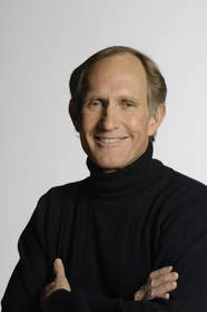 Dr. Peter Agre, 2003 Nobel Prize laureate in Chemistry, received the 2008 Annual Prize for Outstanding Contribution to Lung Research from the Will Rogers Institute for his groundbreaking research in aquaporins.