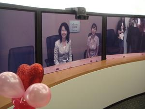 Barbara Chiu (left) and Anette Villegas (right) in the Cisco Hong Kong TelePresence Suite