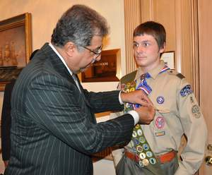 HH Prince Faisal bin Abdullah bin Mohammed, Saudi Arabia's Minister of Education and President of the Saudi Arabian Boy Scouts Association, and Michael Browne, an Eagle Scout with Troop 5 (Milton, MA), on May 8, 2009.