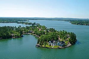 Lakefront Property in Hot Springs Village, the Largest Gated Community in the US, Featuring 11 Lakes, 9 Golf Courses, 20 Miles of Nature Trails & More!