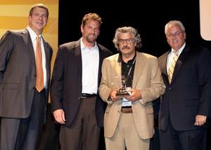 Jack Margossian, Comport CEO, accepting 2009 HP Achievement award.