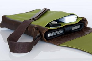 The WaterField Designs Muzetto and SleeveCase for the Unibody MacBook
