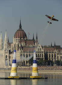 pilot, flying, plane, pylons, air, budapest
