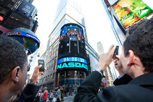 Cisco employees capture NASDAQ closing bell ceremony from Times Square