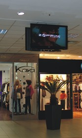 In-mall advertising at Unirea Shopping Center with Cisco Digital Signage