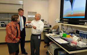 James Hussey, CEO of NanoInk, Inc. discusses NanoInk's Dip Pen Nanolithography with Congressional Representative Jan Schakowsky and Frank Wuest, President of the Forest City Science + Technology Group, in NanoInk's NanoProfessor Nanoscience Education Learning Lab.