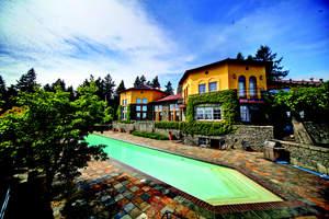 Villa Pietra will sell at real estate auction on Thursday, October 28