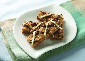 Chocolate-Drizzled Cinnamon Pecan Bars