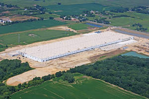 Foam Control EPS Roof Insulation manufactured by ACH Foam Technologies was chosen to top the million square foot Uline distribution center in Pleasant Prairie, Wisconsin.