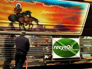 recycOil fuels up Willie Nelson's buse fleet with biodiesel