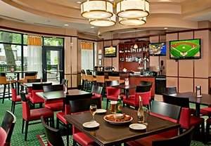 restaurants near nationals stadium