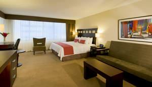 A guest room at TRYP San Jose Sabana