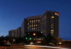 Crystal City hotels near the Metro