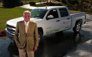 Bob Lutz,VIA Motors,electric truck,erev,hybrid,SUV,phev,plug-in electric,Chevy Volt,NAIAS,pickup