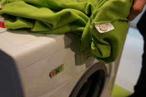 RFID-tagged buttons in NXP smart washing machine demo