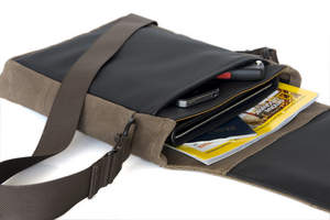 WaterField Designs Muzetto Outback - Black - View with Contents
