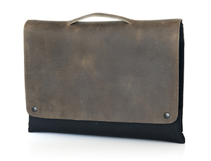The CitySlicker MacBook Air case from WaterField Designs - in 'Grizzly' with optional handle.