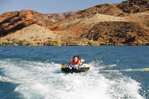 best boating lakes, lake havasu, arizona, tubing