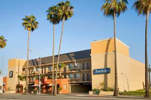 Travelodge Culver City exterior
