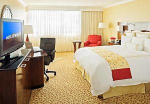 Descubra la oferta 'Robando la tercera en Burbank' de Los Angeles Marriott Burbank Airport hotel