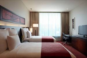 http://www.marriott.com/hotels/travel/pnqmc-pune-marriott-hotel-and-convention-centre/