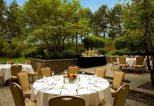 Hotels Near Mississauga ON