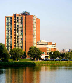 hotels near MIT