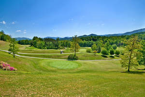 The Laurel Valley Golf Course, a 141-acre, par-70 golf course just outside of the Great Smoky Mountain National Park, will sell at auction on October 18