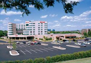 Hotels in Golden Valley MN
