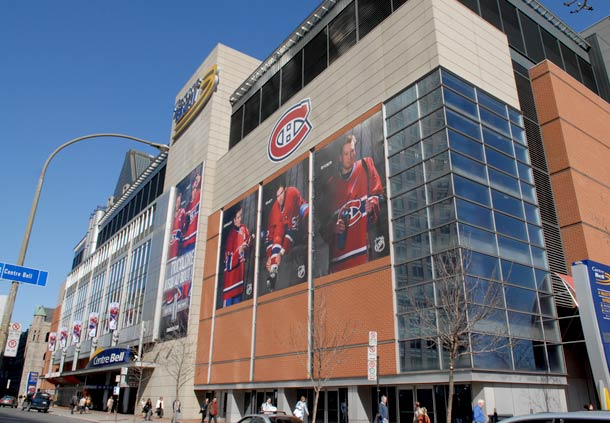 Hotels near Bell Center