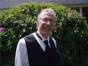 Dr. Victor Oelbaum