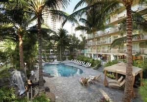 Hotels Near Honolulu Zoo