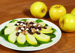 Spinach Apple Salad with Toasted Walnuts