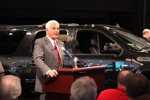 via motors,bob lutz,electric trucks,ev,erev,verizon,pg&e,volt,naias,auto show,detroit auto show