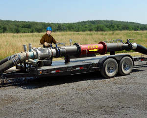 Three-stage static mixer for mobile gas well fracking
