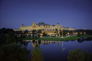 The sprawling 63-acre resort and hotel can now support thousands of concurrently connected mobile devices attendees utilize during meetings and conferences.