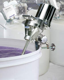Sharpe Portable Sanitary Mixers feature the M5 Quick-Lock mounting system