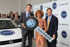 vw credit  celebrates  million customer accounts