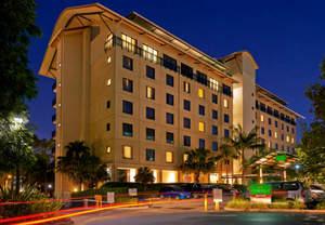 Hotels near Allphones Arena