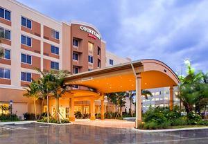 Hotel near the Dolphin Mall