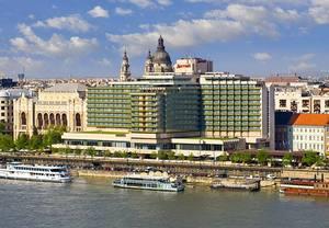 Budapest hotel near Chain Bridge