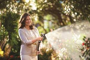 Years in the making, LeakFree by Nelson distinguishes itself from other leak-resistant products through its patented triple-seal technology that prevents leaks at all connection points: faucet to hose to watering tool.