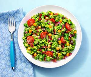Broccoli Salad with Bacon & Tomatoes