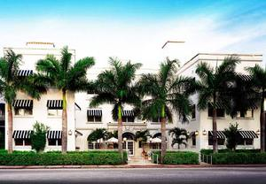 Art Deco hotels on Collins Ave
