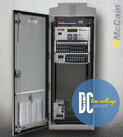 Low-voltage DC traffic cabinet