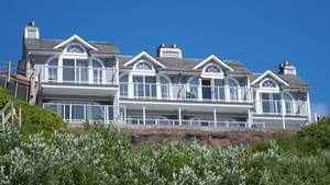edgewater vacation rental auction